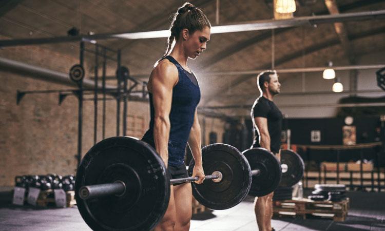 Các bài tập tạ giúp tăng cường cơ bắp và thúc đẩy quá trình trao đổi chất.